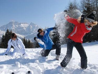 Zima w puchu śnieżnym w regionie Dolomiti Superski: