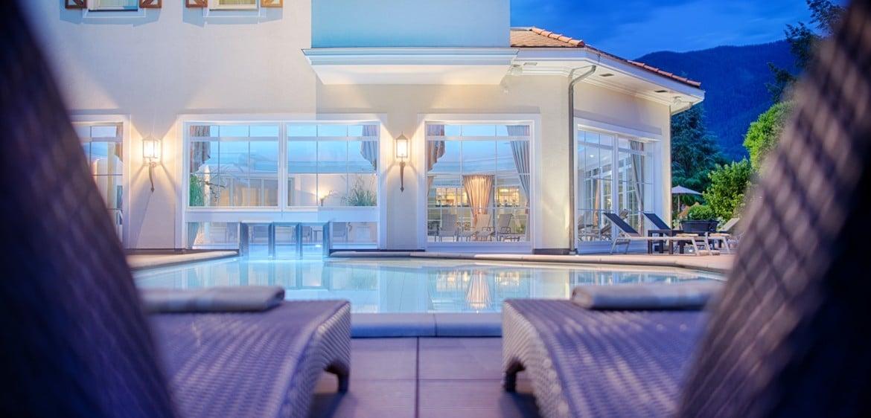 Outdoor-Pool